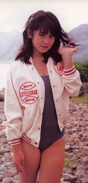 斉藤由貴の水着の高画質な画像14