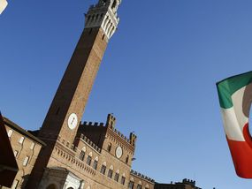 A THIRD of jobless Italians gave up looking for work at the start of the year, amid rising fears for Italy's economy.