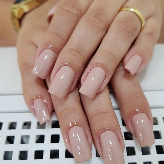 Nice nails color tone