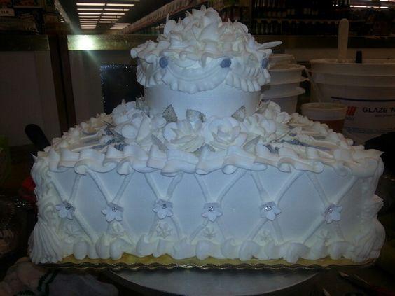 Wedding cake anniversary