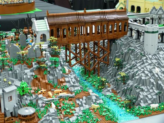 BRICKCON 2013 - Hogwarts bridge | by Dodge...