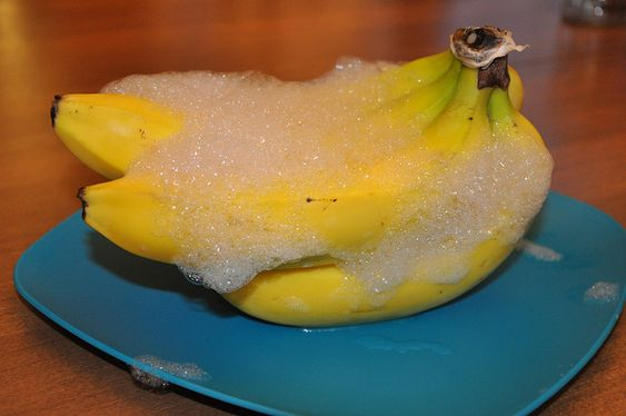 ~Rub bananas with dish soap suds.  Allow to air dry.  No more fruit flies!~  ~Say WHAAAAAAA?!  Worth a shot!!~: