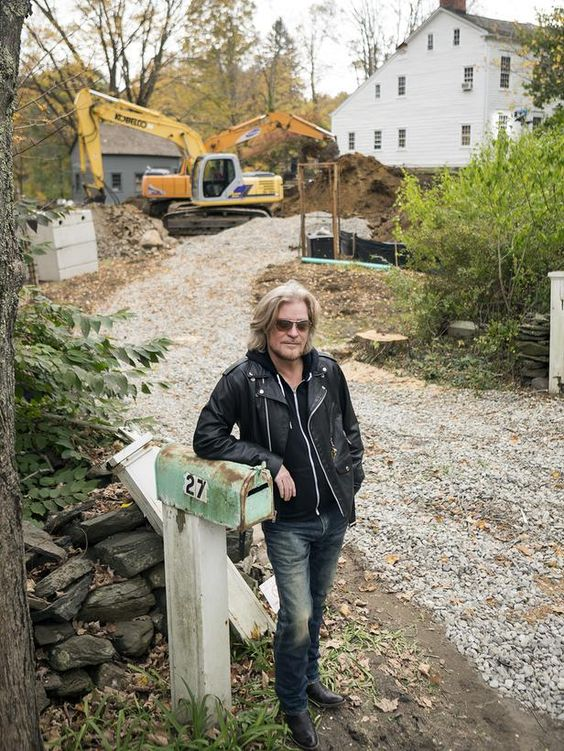 Rocker Daryl Hall has another passion: restoring historic homes >> http://www.diynetwork.com/tv-shows/daryl-halls-other-calling-restoring-historic-homes/pictures/index.html?soc=pinterest: Hall Diy, Rocker Daryl, Daryl Hall, Rock Roll, Hall Rocks, Tv Shows, Diy Network