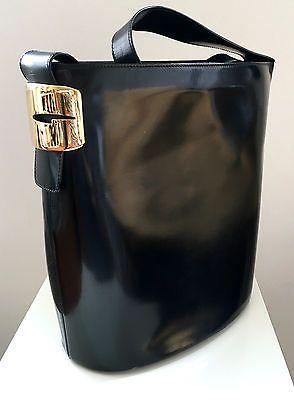 Vintage Gucci Black Shiny Calfskin Bucket Shoulder Bag Black Patent Leather Rare https://t.co/CEVuHRE4Fi https://t.co/uzxZQYTZam