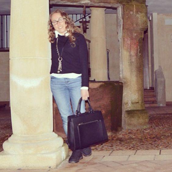 Today on www.ideassoneventos.com #ideassoneventos #imagenpersonal #imagen #moda #ropa #looks #vestir #fashion #outfit #ootd #style #tendencias #fashionblogger #personalshopper #blogger #me #streetstyle #postdeldía #blogsdemoda #instafashion #instastyle #instalife #instagood #instamoments #job #myjob #clothes #casuallook #lookquenomefavorece #negroyplata