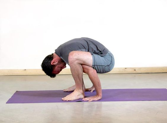4 best yoga poses for cyclists. This one is the Sacrum stretch