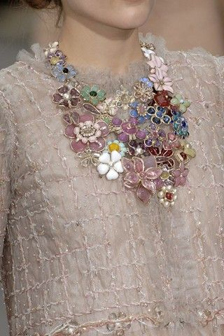 chanel floral necklace. lovely.