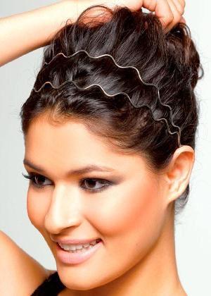 Imagem de http://cdn.mundodastribos.com/529254-Penteados-f%C3%A1ceis-para-o-calor-passo-a-passo.2.jpg.