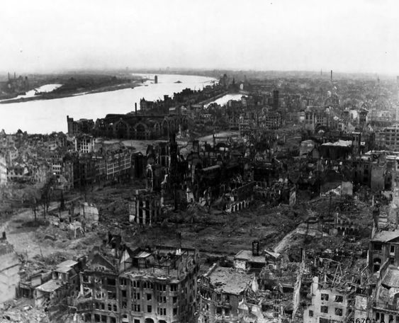 Cologne ( Køln ) , Ariel view 1945