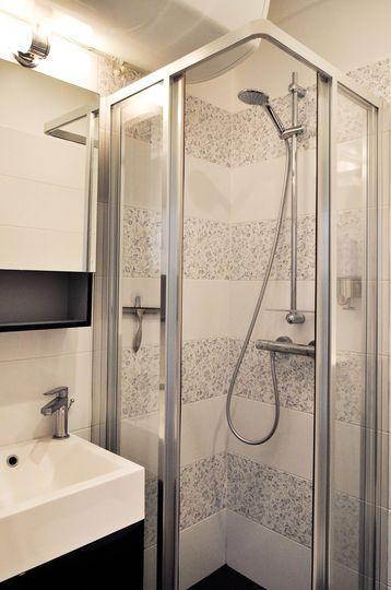 Studio tudiant paris 18 un duplex de 19m2 fonctionnel - Carrelage pour petite salle de bain ...