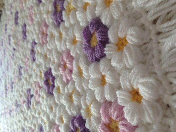 Sehr schöne Blumen Babydecke Decke. Modern, komfortabel und warm.  Diese niedlichen Decke ist perfekt als Geschenk für junge Eltern…