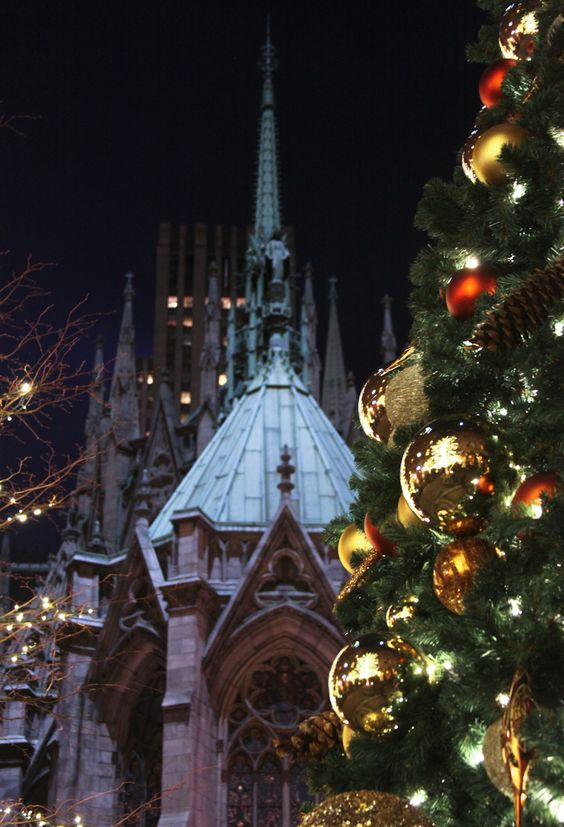 St Patrick's Cathedral at Christmas, NYC: