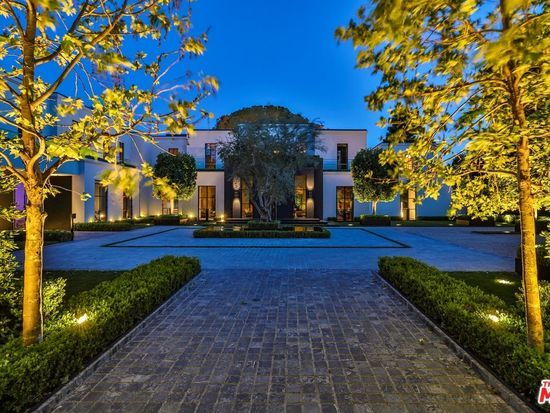 1155 Angelo Dr Beverly Hills Ca 90210 Zillow In 2020 Los Angeles Homes Beverly Hills Mediterranean Mansion