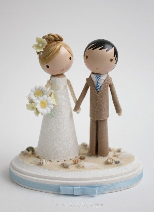 if i have a wedding cake topper this would be cute