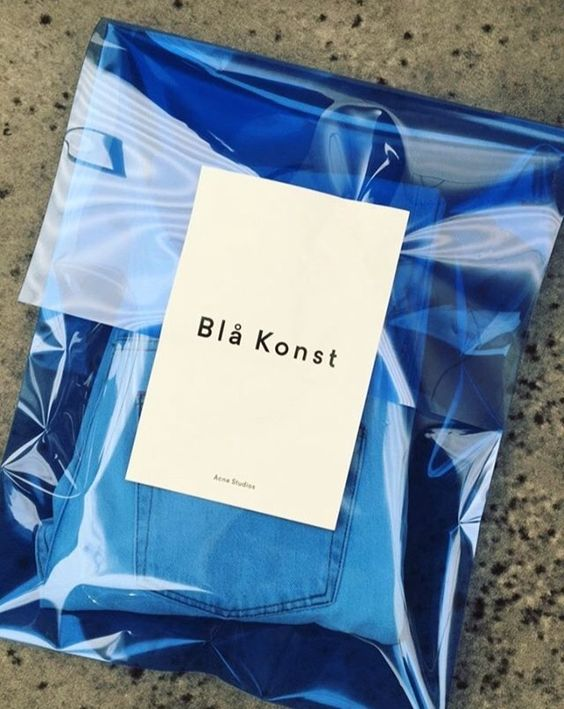 Blå konst, Acne Studios - Love a good success story? Learn how I went from zero to 1 million in sales in 5 months with an e-commerce store http://ecommerce.jrstudioweb.com/