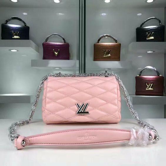 Louis Vuitton 50216 (136usd)