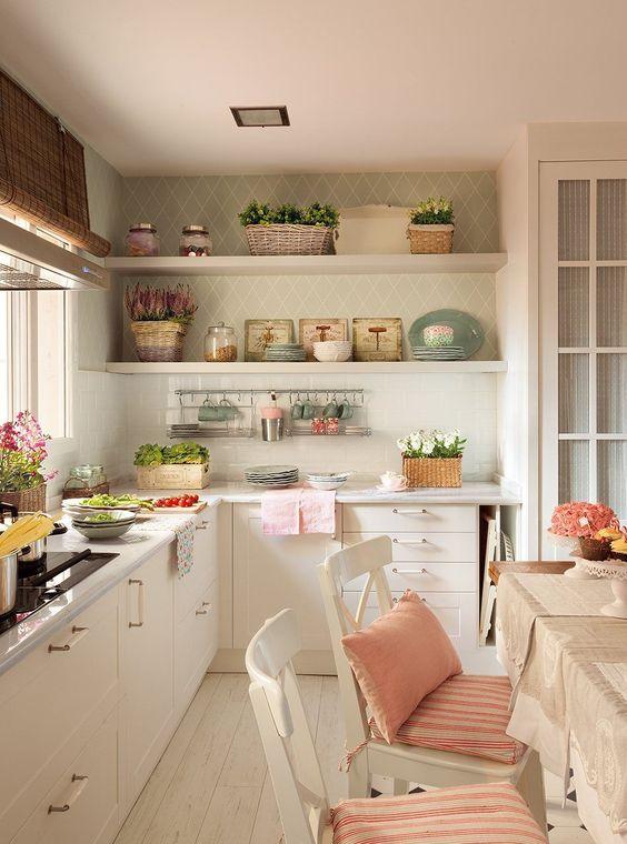 Un papel muy práctico  El papel pintado de la cocina es lavable e ignífugo.