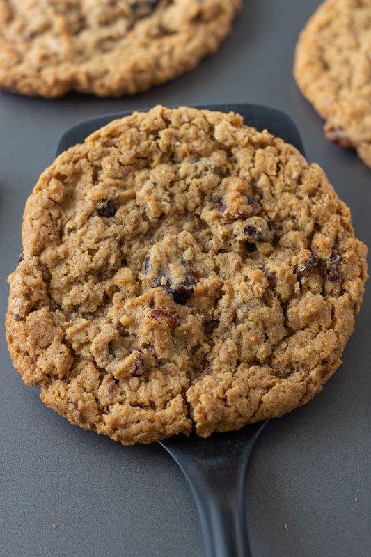 Vegan Oatmeal Raisin Cookies Such A Sweetheart Recipe In 2020 Vegan Oatmeal Raisin Cookies Oatmeal Raisin Cookies Vegan Baking Recipes