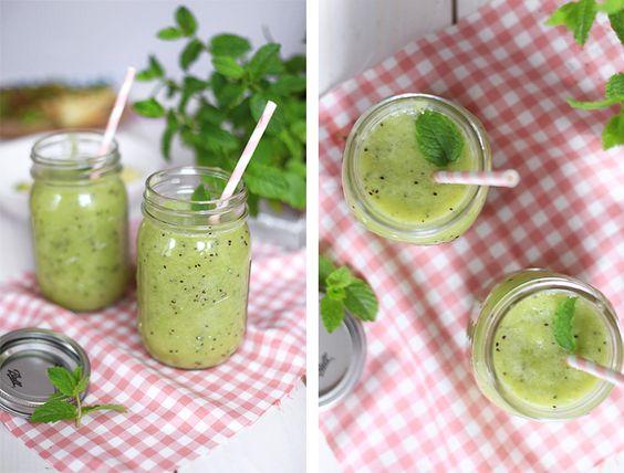 Lecker Smoothie mit Kiwi und Apfel - Vitamine pur! Yummy! Noch leckerer im Ball Mason Glas