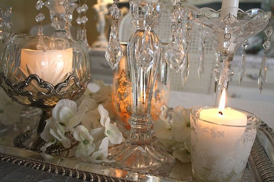 www.romantichome.blogspot.com - crystal, silver and white