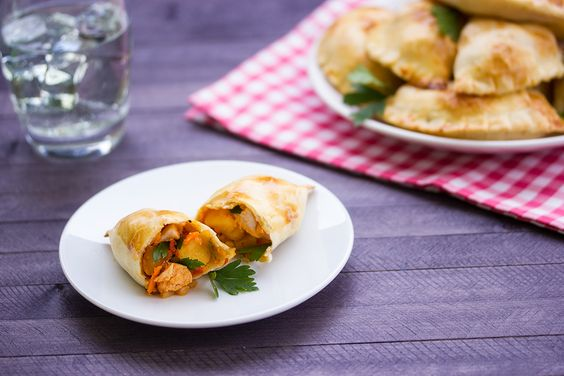 Chicken Empanadas: These healthy baked empanadas with chicken and vegetables are quite tasty, so indulge without feeling guilty.