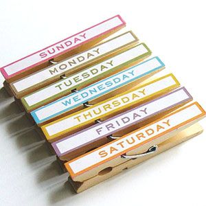 days of the week ... do clothespins or magnets get any better?!