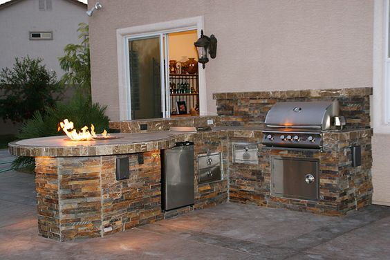 Outdoor fireplaces las vegas custom outdoor kitchen for Outdoor barbecue island ideas