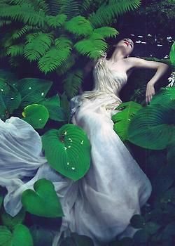 garavani:    Rooney Mara photographed by Mert & Marcus for Vogue US November 2011