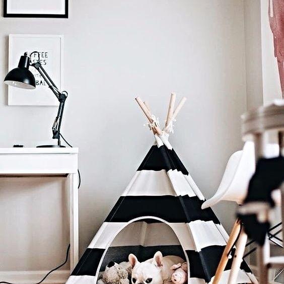 Que tal fazer da casinha do seu cachorro parte da decoração da casa? Esta, em…