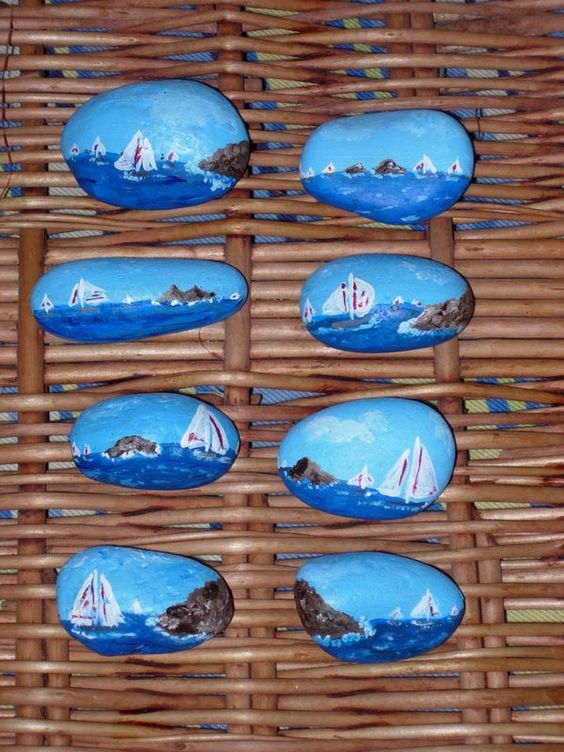 Galets Peints Porte Couteaux Pebbles And Stones Boats Pinterest Photos D Co Et Album