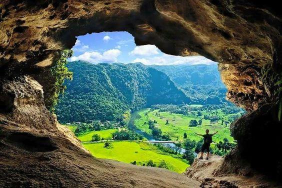 Ventana cuevas de Arecibo Puerto Rico