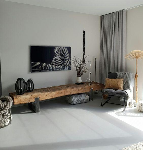 Industrieel tv meubel met zware houten balk