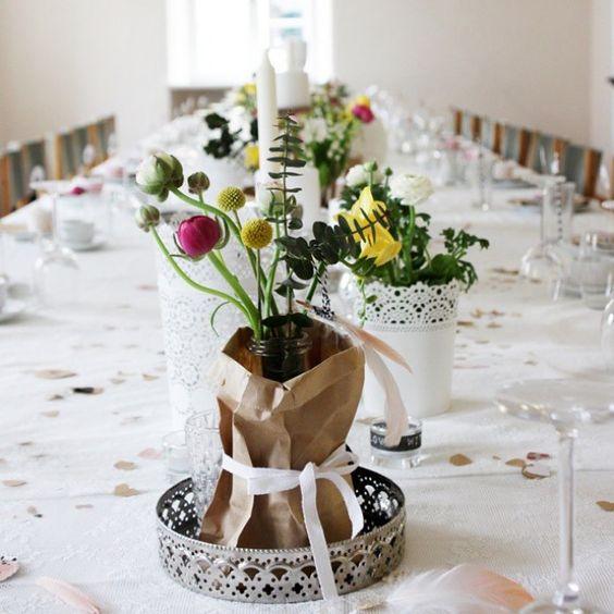 Geniale Ideen für die Hochzeitsdeko findet ihr auf gofeminin.de http://www.gofeminin.de/hochzeitsplanung/tischdeko-hochzeit-s1444600.html