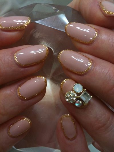 Nude nails with a glittery gold frame! I want mine done like this! @Leakhena do them for me!