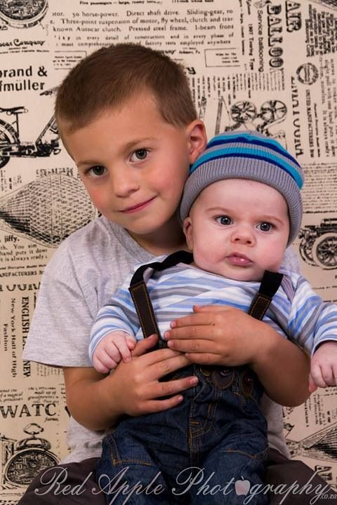 Baby shoot - 2 Months old with older brother!
