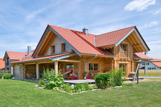 Holzhaus-Rundbalken-Lingenauber1.jpg 900×600 Pixel