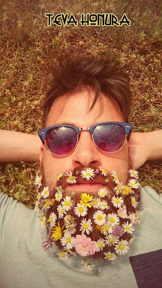 Teva Honura Dj's flower beard #dj #flower #beard #tevahonura #spring #fun