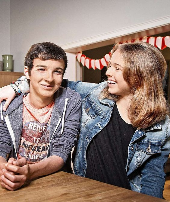 """SEIT NEUN JAHREN BEI """"IN ALLER FREUNDSCHAFT"""" So wurden Anthony (16) und Ella (13) Serien-Stars"""