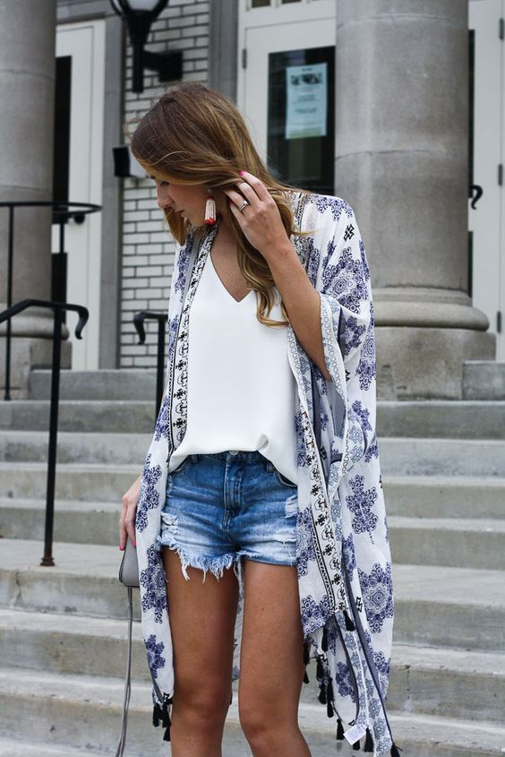 How to pack for the beach 2017, cute summer outfit ideas, kimono outfits, kimono and cut offs, kimono beach cover up, denim cut offs, summer hat outfit, bright dress outfit, summer dresses, cute romper outfits for summer