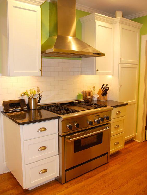 Best Small Kitchen Design Ideas White Galley Kitchens 400 x 300