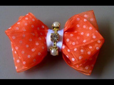 Uma linda tiara e fácil ensinada de um jeito diferente... Blog: http://euamoevabycyntia.blogspot.com/