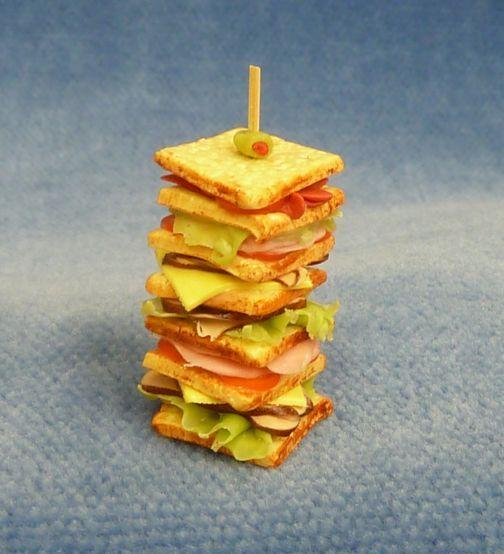 Giant Sandwich - F104