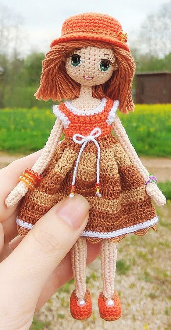 How to crochet a ruffle on a completed amigurumi (and attach a ... | 1080x561