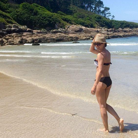 Beautiful @lacaprichossa waring a #retro #bikini by #surania. Get yours at www.surania.com!  #surania #swimwear #beachwear #fashion