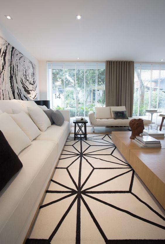 Tapetes Dhurie Topkapi White Black e Zili Hemp na decoração de Francisco Calio.: