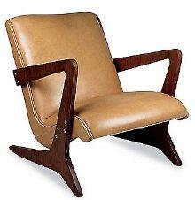 José Zanine Caldas - Móveis Z - Poltrona Bumerangue - 1962 feito em compensado naval e couro natural (75cx62px74h)