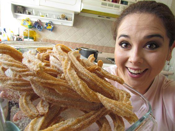 Unos exquisitos churros mmm p para chuparse los dedos recipes gourmet pinterest sons - Como hacer churros en casa ...