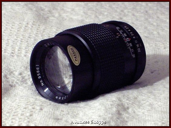 CHINAR F/135mm Camera Lens 1:2.8 Threaded Connection Photography Used  HP 2586  http://ajunkeeshoppe.blogspot.com/