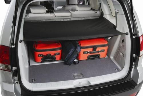 the 2010 2011 kia soul cargo cover keeps your trunk items out of view for safety purposes order the soul cargo scree kia soul kia soul accessories cargo cover the 2010 2011 kia soul cargo cover