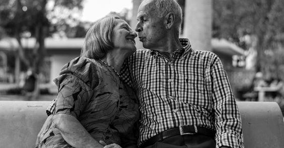 Estudos comprovam: Pessoas casadas vivem mais do que as que moram juntas ou solteiras